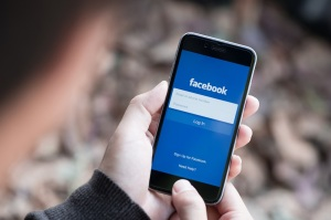 Facebook Compromised 6.8 Million Users Photos - Carlos Gamino
